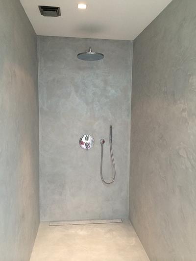 https://www.stukadoorsbedrijfvanrooij.nl/images/afbeeldingen-website/beton-cire-douche-stukadoorsbedrijf-van-rooij.jpg